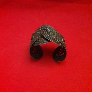 Coil Cuff bracelet